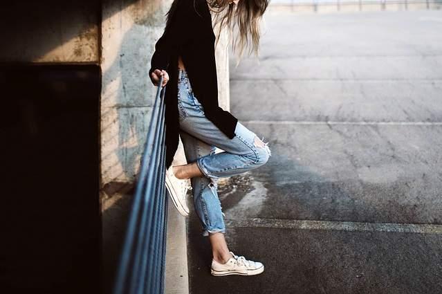 Ragazza in jeans